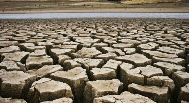 Eski Bakan Eroğlu'dan kuraklık açıklaması