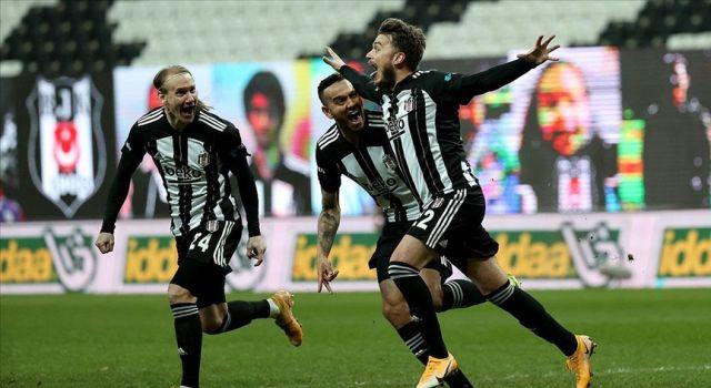 Beşiktaş Süper Lig'in ilk yarısını lider tamamladı