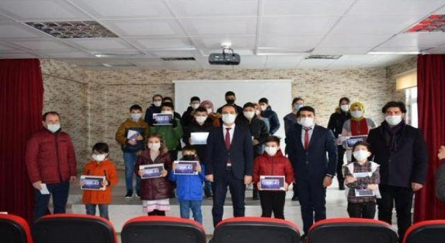 Erse Kablo Uzaktan Eğitim Sürecinde Öğrencilerin Yanında