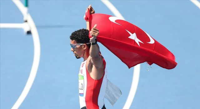 Milli atlet Yasmani Capello yarı finale yükseldi