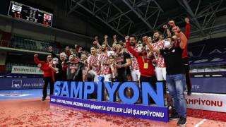 Voleybolda AXA Sigorta Efeler Ligi play-off final serisinde Ziraat Bankkart şampiyon oldu
